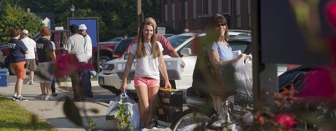 Family helping student move in